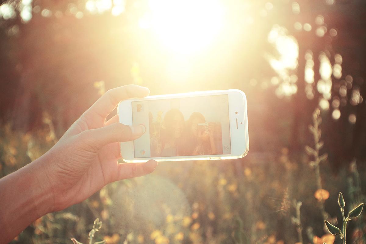 Selfie in der untergehenden Sonne.