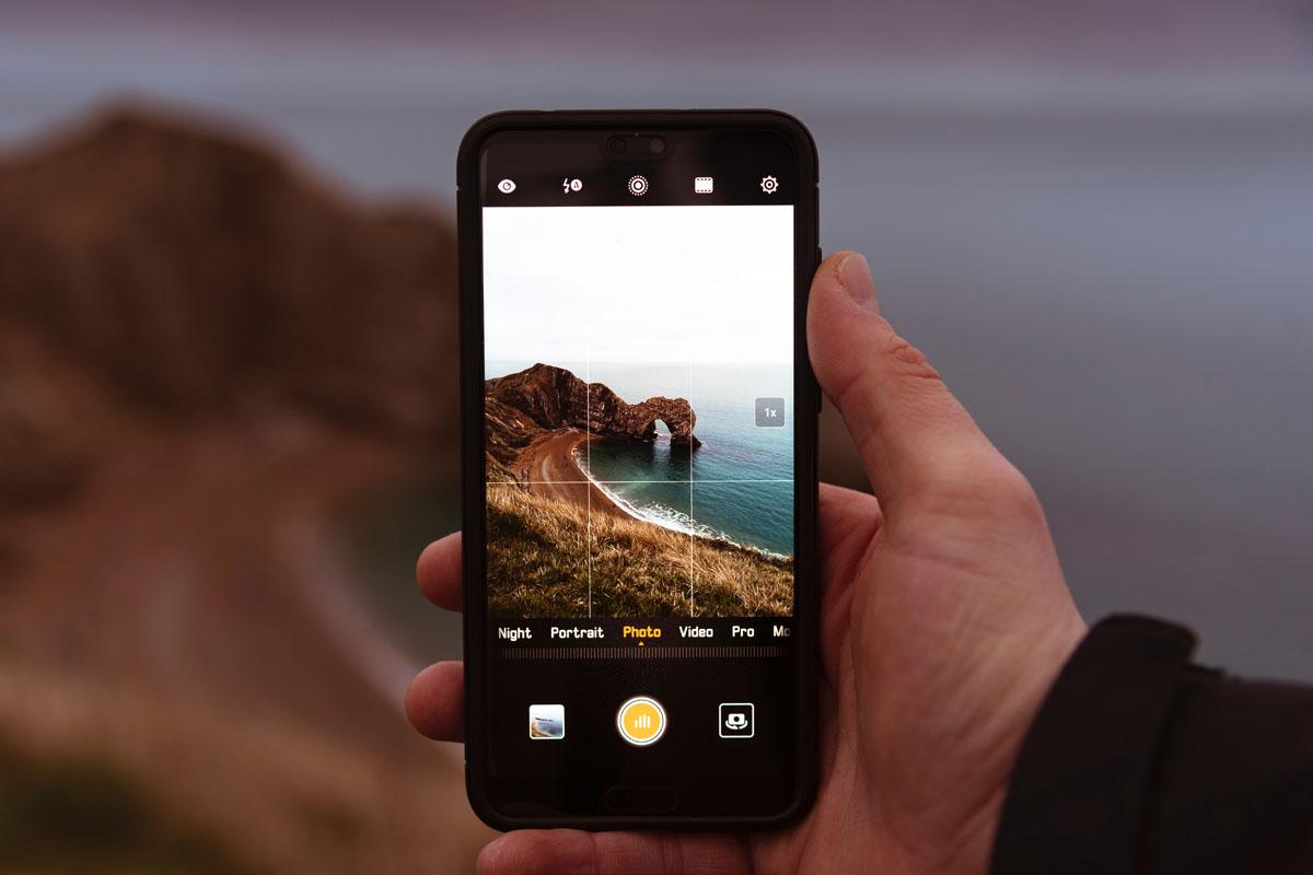 Smartphone Foto vor Portugals Küstenlandschaft