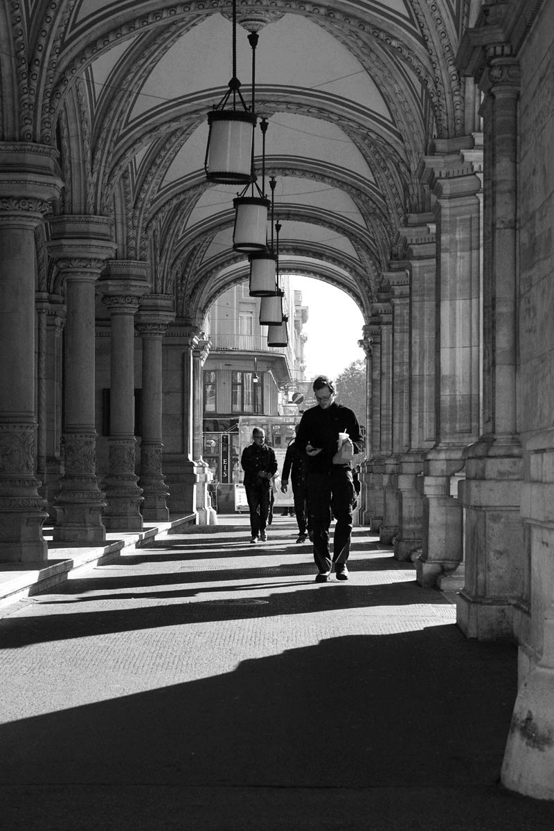 Schwarz-weiß Aufnahme beim Städtetrip