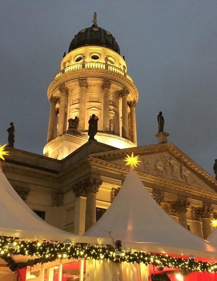 Der Weihnachtsmarkt auf dem Gendarmenmarkt in Berlin