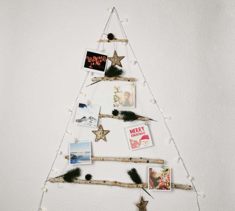 DIY Weihnachtsbaum aus Holz-Ästen und Weihnachtsdeko