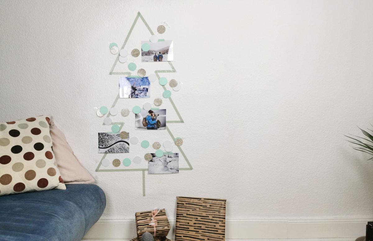 DIY Weihnachtsbaum Alternative aus Washi Tape im Wohnzimmer