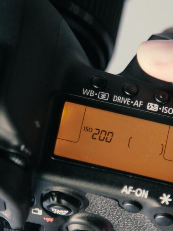 Nahaufnahme der ISO Einstellungen im Kamera-Display