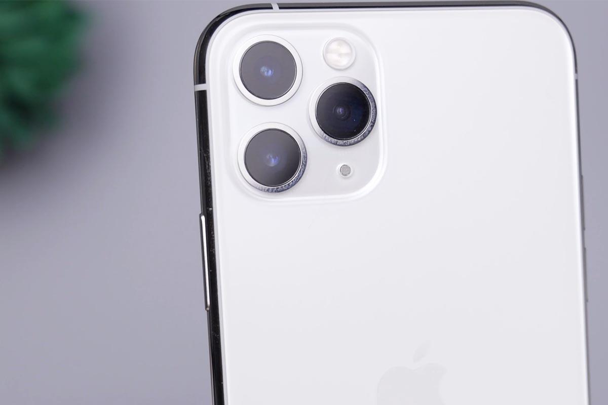 Kameralinse eines Smartphones
